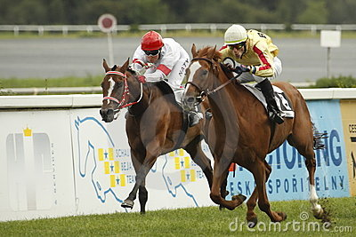 Retourn and Mainly high in St. Leger horse racing Editorial Image