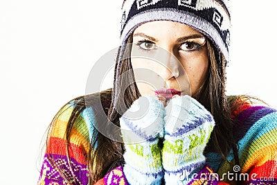 Retrato de congelación de la mujer del invierno