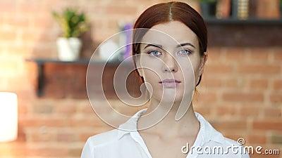 Retrato de la mujer joven, desván
