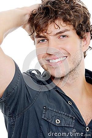 Retrato de um homem  sexy  com sorriso toothy