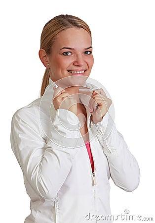 Retrato de uma mulher loura de sorriso