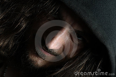 Retrato del individuo con la nariz grande