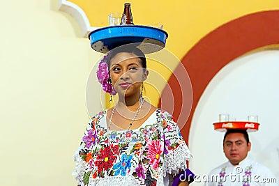 Retrato mexicano de los bailarines Foto editorial