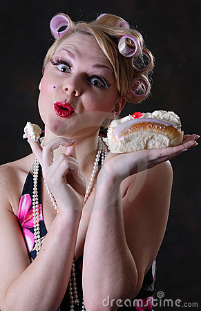 Free Retro 50s Style Female With Cream Cake Stock Images - 17593384