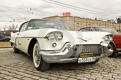 Retro automobile Cadillac Eldorado Fotografia Stock Editoriale