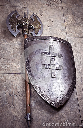 Free Retro Axe And Shield Royalty Free Stock Images - 66783159
