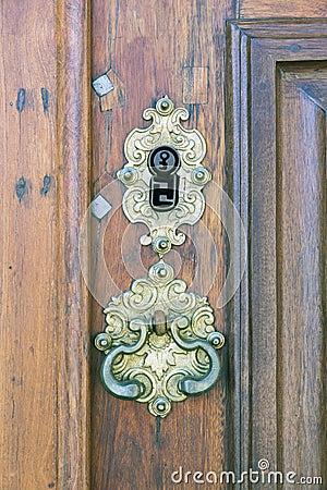 Retro buco della serratura