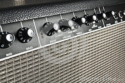 Retro guitar amplifier