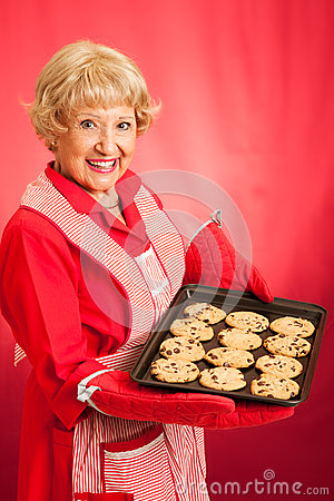 Retro Housewife Bakes Chocolate Chip Cookies