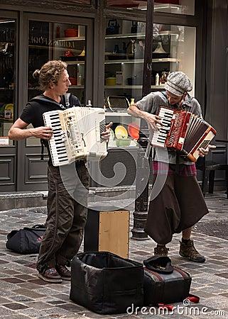 Free Retro Parisian Musicians Of Street Stock Image - 107292431
