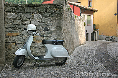 Restored vintage Vespas lambretta Scooters from ClassicalWheels.