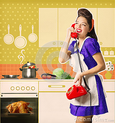 Free Retro Woman Talking On Phone And Cooks Roasted Chiicken On Her L Stock Photography - 62430862