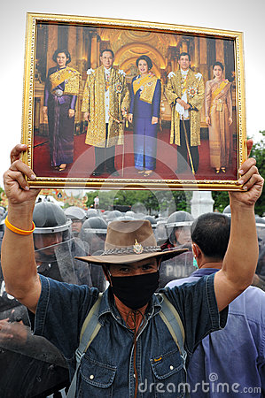 Reunión antigubernamental en Bangkok Foto editorial