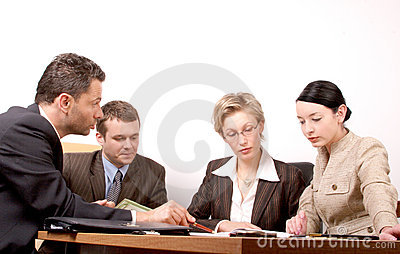 Reunião de negócio de 4 pessoas