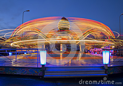 Revolving carousel enlarge ride speed by twice