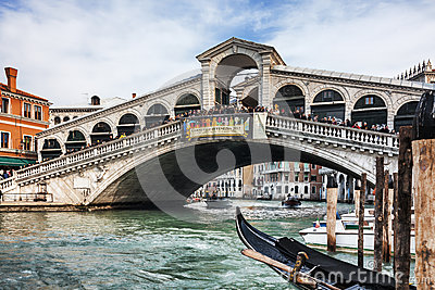 Rialto Brücke Redaktionelles Stockfotografie