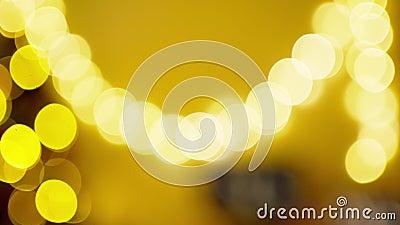 Riassunto di colori e di oro, offuscato. Luci di Natale di sfondo I stock footage