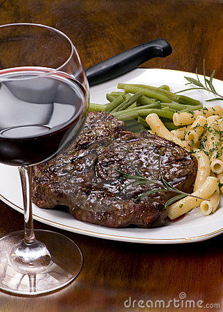 Free Rib Eye Steak Dinner 4 Royalty Free Stock Image - 1910476