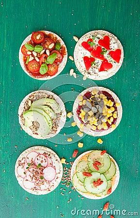 Free Rice Cakes With Fresh Veggies Royalty Free Stock Photo - 73086965