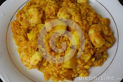Rice with cuttlefish and prawns
