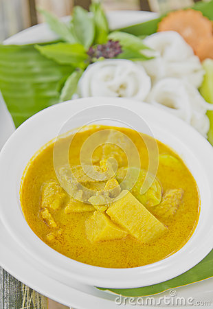 Rice vermicelli with curry