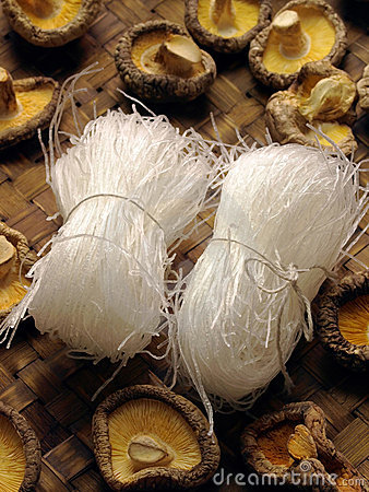 Free Rice Vermicelli With Mushrooms Stock Photography - 9128322