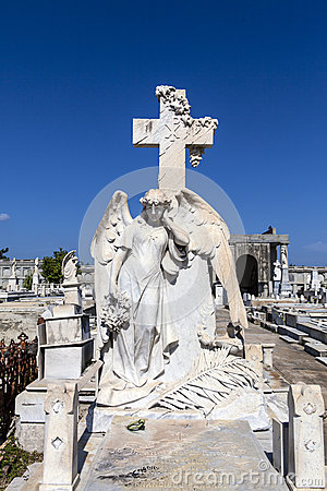 Free Rich Decorated Grave At The Roman Catholic Cementerio La Reina Cemetery In Cienfuegos, Cuba Stock Photo - 45980590