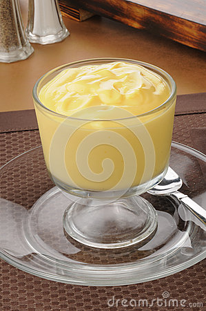 Rich vanilla pudding