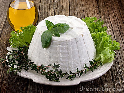 Ricotta with basil lettuce