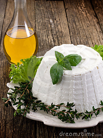 Ricotta with basil lettuce and myrtle