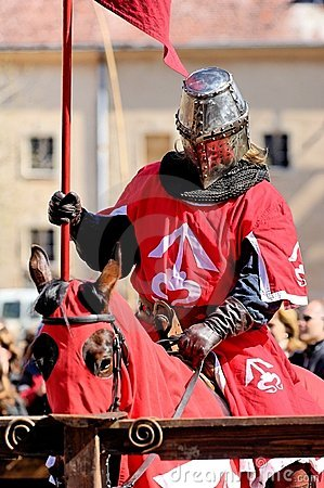 Free Riding Knight Royalty Free Stock Images - 2218479
