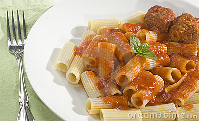 Rigatoni and Meatballs