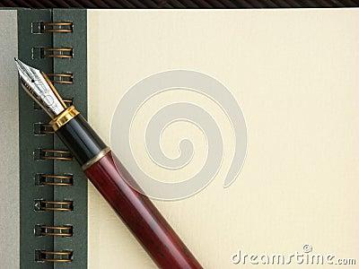 Rilievo di nota, penna e spazio della copia