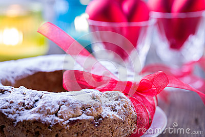 Ring cake with icing sugar