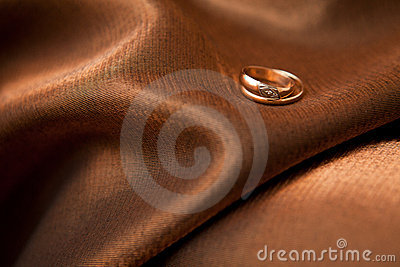 Rings on the cloth