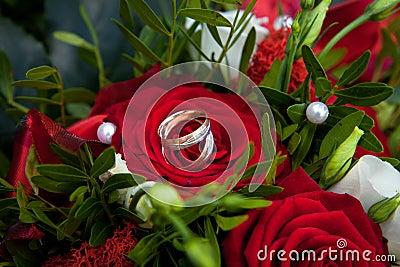 Rings on roses