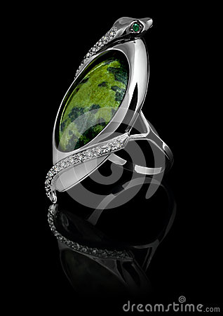 Free Rings With Diamonds And Green Gem Royalty Free Stock Images - 28472089