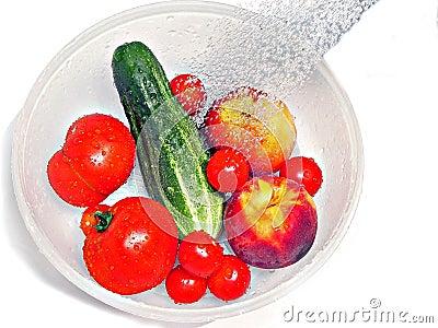 Rinsing fruit