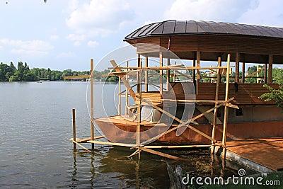 Riparazione di legno della barca