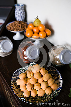 Ripe apricots in plate