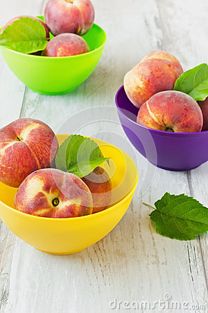 Free Ripe Peaches Royalty Free Stock Images - 43249909