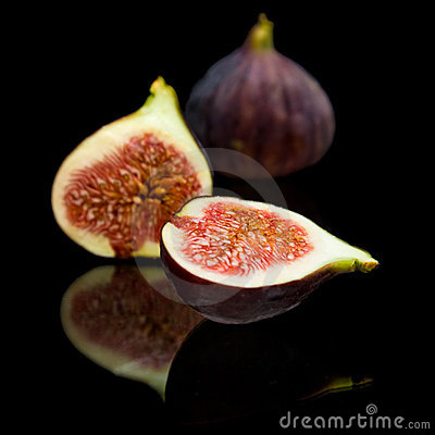 Ripe purple fig fruit