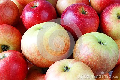 Ripe sweet fresh apples