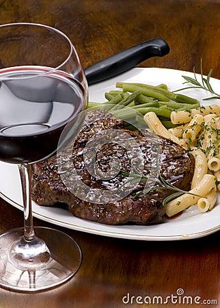Rippe-Augen-Steak-Abendessen 4