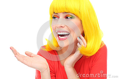 Risa amarilla de la muchacha del pelo