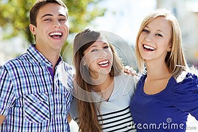 Risa de los amigos