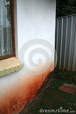 Free Rising Damp Outside Wall Royalty Free Stock Photo - 653145