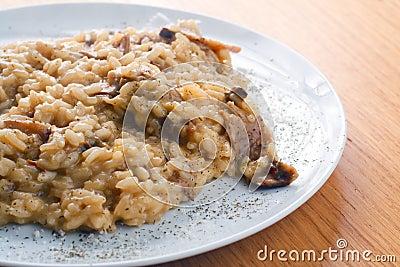 Risotto italiano com cogumelos de Porcini