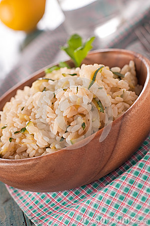 Risotto with zucchini and lemon