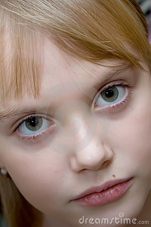 Ritratto di colore della ragazza